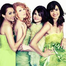 Selena Gomez, Demi Lovato, Taylor Swift y Miley Cyrus