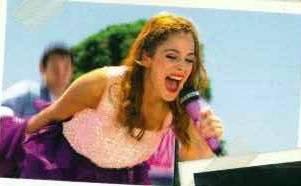 Por cantar lo máximo de bien