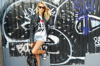 Consejo de calzado!♥: En cambio si preferis usar zapatilas,te recomendaria unas negras o blancas que convinan con todo! (Como las de la imagen)