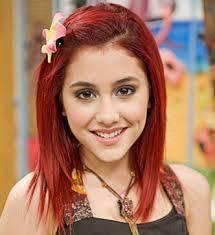 Ariana Grande ( Cat Valentine en Victorious )