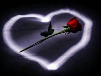 corazon con flor