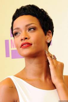 Rihanna (Linda)