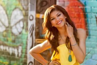La preciosa chica Zendaya Coleman es perfecta. Una diosa divina.