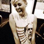 Miley Cyrus ✓